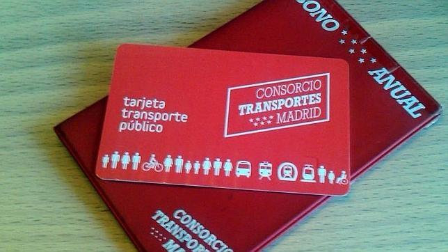La tarjeta de contacto que incluye el abono transportes de la Comunidad de Madrid