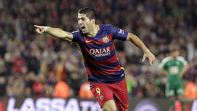 Suárez celebra uno de sus tres goles
