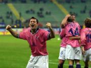 El Alavés celebra un gol marcado ante el Inter en la Copa de la UEFA. Ap