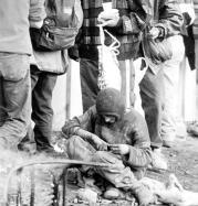 Un grupo de toxicómanos, acampando en el madrileño poblado de La Celsa. Daniel G. López