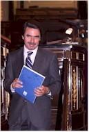 El presidente Aznar al finalizar al debate