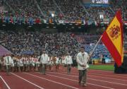 Andreu Vivo porta la bandera española en el desfile de inauguración de los XIV Juegos Mediterráneos, ayer en Túnez Epa