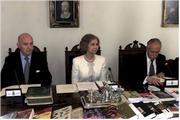 La Reina durante la sesión de la Academia de la Historia