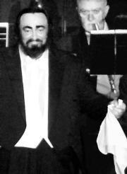EFE Pavarotti, durante su actuación