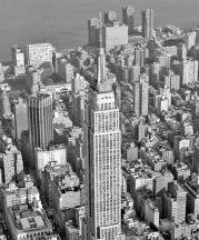 El Empire State Building preside esta vista aérea de Nueva York. AP