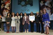 ABC  Las galardonadas este año con los Premios Isabel Ferrer, ayer en el teatro Arniches de Alicante