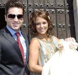 David Bustamante Y Paula Echevarría Bautizan A Su Hija En San Vicente De La Barquera
