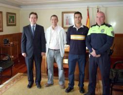 Dos nuevos policías para Torrijos