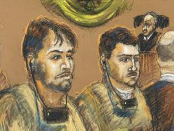 Dibujo de la corte federal de archivo del 17 de diciembre de 2007 de los venezolanos Franklin Durán (i) y Carlos Kauffmann declarando en un tribunal de Miami (EE.UU.)
