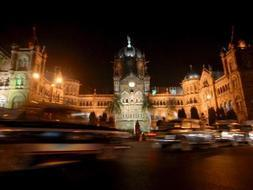 Imagen de la estación de trenes de Victoria Terminus en Bombay, la India./ Archivo