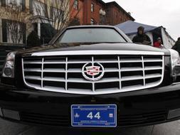 La nueva limusina presidencial Cadillac con la que Barack Obama realizará su primer desfile por la Avenida Pensylvania como nuevo presidente de Estados Unidos. / Reuters