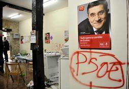 Ataque proetarra a la sede del PSE en Elorrio (Vizcaya)