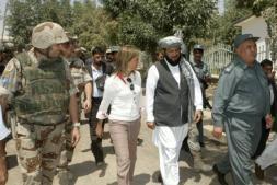 Los militares españoles desconfían del alto el fuego con los talibanes