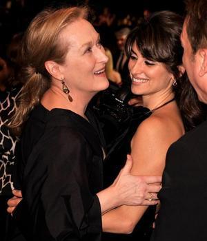A Penélope Cruz le encanta besar a Meryl Streep