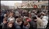 Miles de moscovitas hicieron cola el 31 de enero de 1990, cuando McDonald's inauguró su primer restaurante en la plaza Pushkin / AP