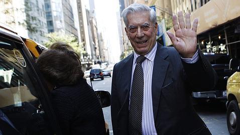 Vargas Llosa: «El Nobel premia a la maravillosa lengua española en la que escribo»