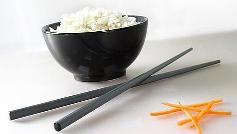 Modales al usar los palillos chinos