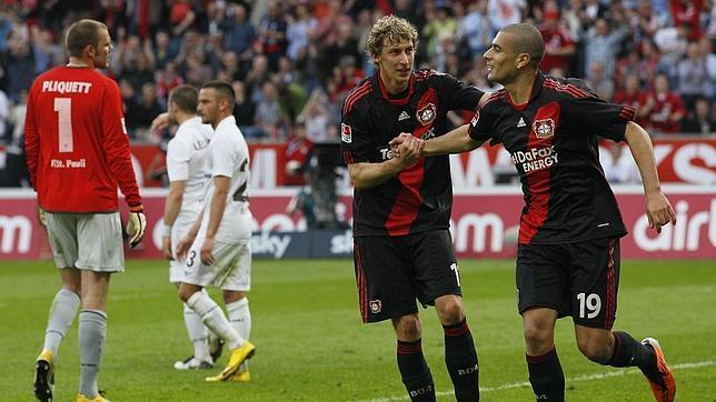 El Leverkusen remonta al St. Pauli y abre la Bundesliga