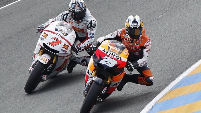 Stoner gana en Le Mans y Pedrosa vuelve a fracturarse la clavícula
