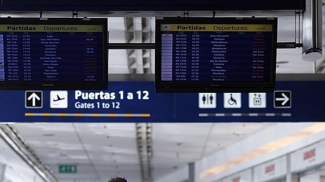 Aerolíneas Argentinas restablece algunos vuelos desde Buenos Aires