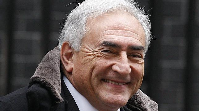 Los investigadores dudan del testimonio de la camarera que acusó a Strauss-Kahn