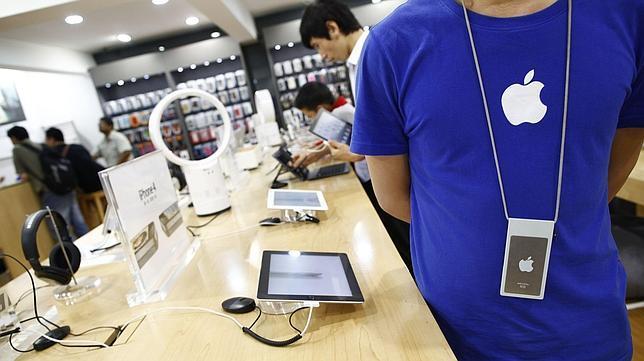Encuentran otras 22 tiendas falsas de Apple en China