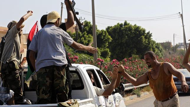 La comunidad internacional coincide: «Gadafi debe marcharse»