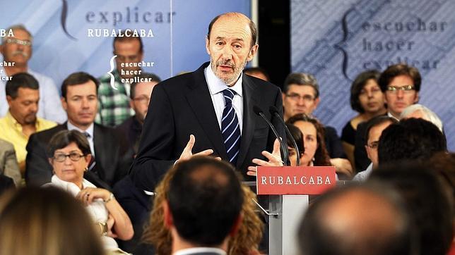 Rubalcaba declara un millón de euros de patrimonio; Rajoy, más de 800.000