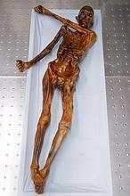 Encuentran congelado hombre prehistorico [PUNIQRANDLINE-(au-dating-names.txt) 30