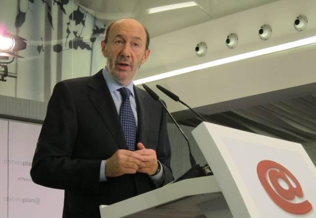 Rubalcaba cuestiona ahora la legitimidad del TC