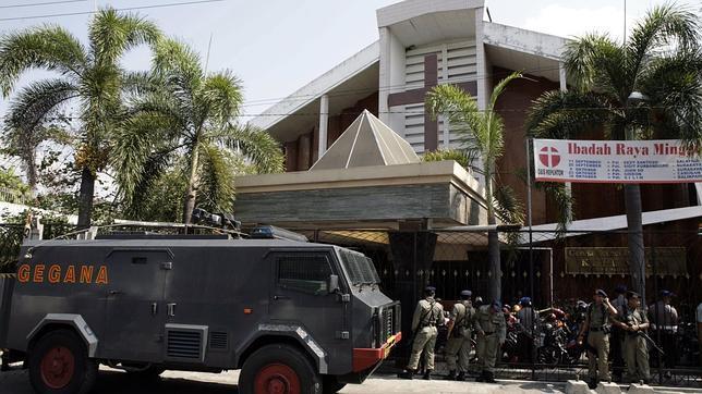 Al menos dos muertos en un atentado contra una iglesia cristiana en Java