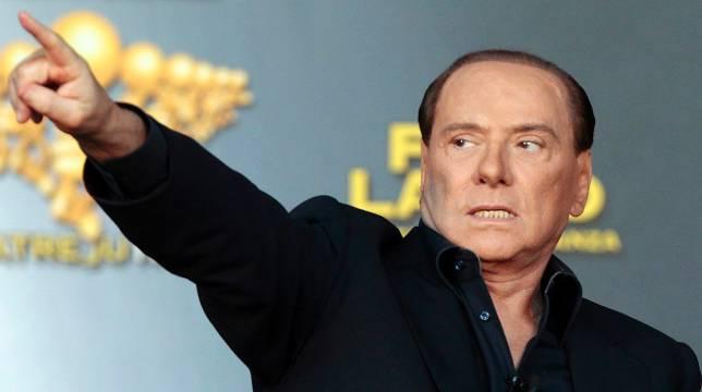 Berlusconi no logra esquivar su juicio por prostituir a menores