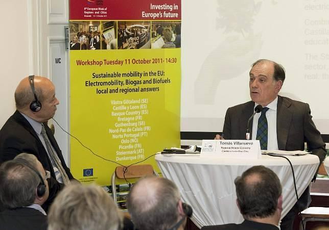Villanueva pide ayudas a Europa para desarrollar el coche eléctrico