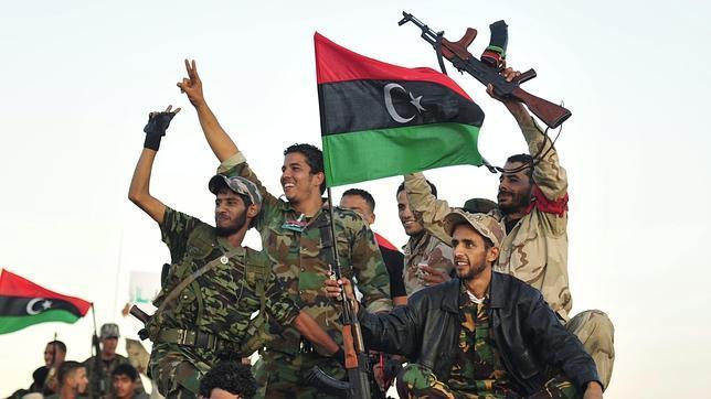 La principal tribu de Libia crea una organización de víctimas de la revolución