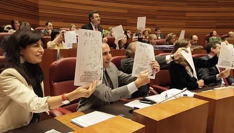 El PSOE recurre a un proyecto de hace 20 años para criticar al PP en infraestructuras