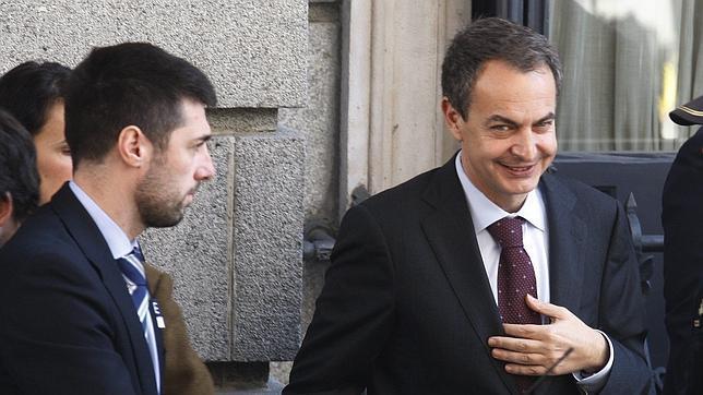 Zapatero asegura no estar molesto con el manifiesto de Chacón