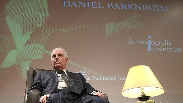 Barenboim: «Recortar la cultura demuestra la falta de honestidad de los políticos»