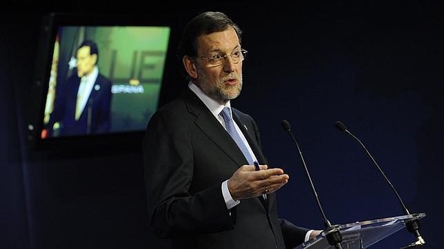 Rajoy admite que la reforma laboral le va a costar una huelga general