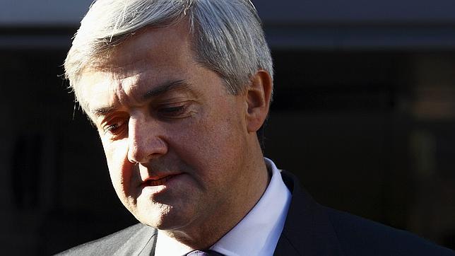 Dimite el ministro de Energía británico acusado de intentar eludir una sanción de tráfico