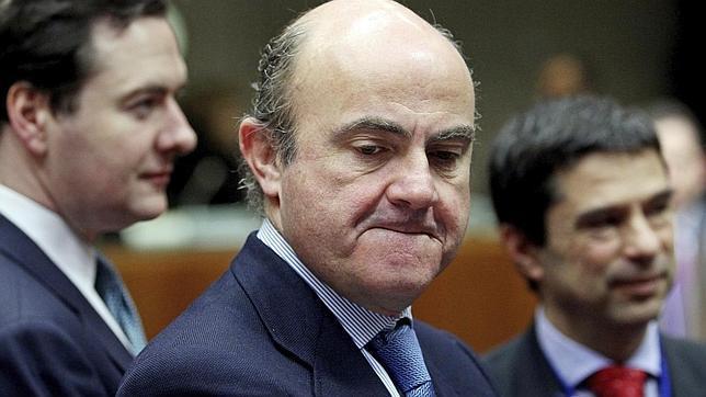 Economía resta poder al regulador para aplicar la reforma bancaria