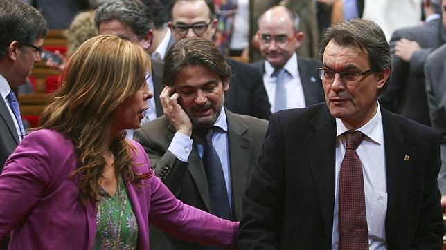 El gasto catalán en prebendas identitarias pone en peligro el pacto de Mas con el PP