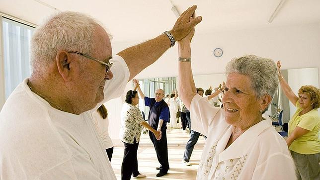 La OMS prevé que en cinco años habrá por primera vez más mayores de 65 años que menores de 5