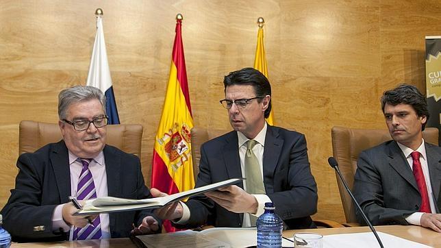 Soria afirma que mantiene suspendidos los «tratamientos de preferencia» hacia Argentina