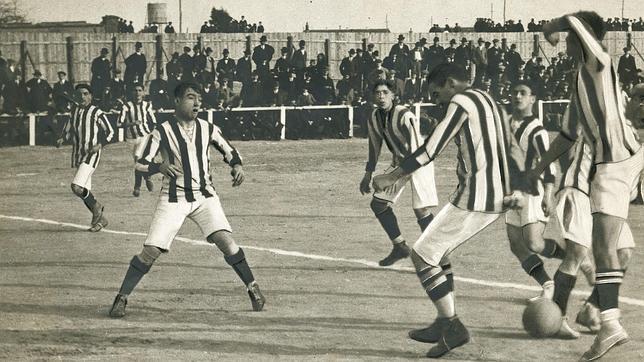 Athletic-Atlético, historia de dos parientes