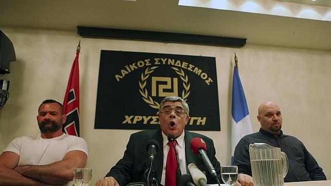 El líder neonazi griego no tiene quien le llame
