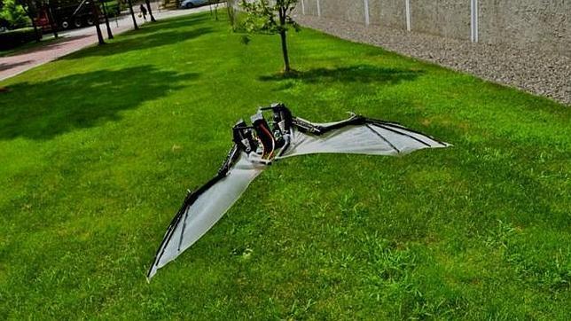 El increíble robot que vuela como un murciélago