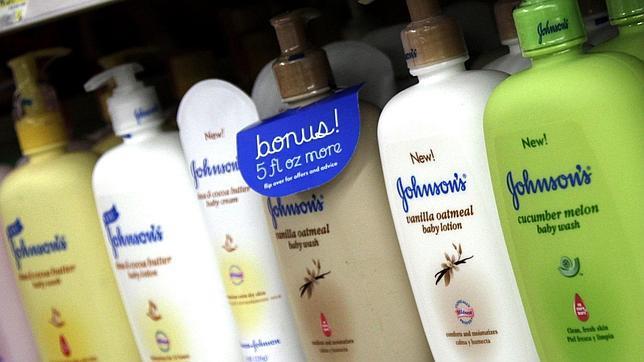 Johnson & Johnson retirará componentes químicos peligrosos de sus productos