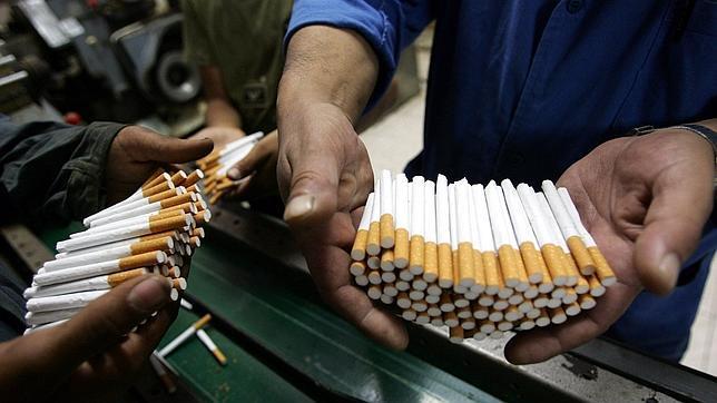 Las cajetillas genéricas de tabaco reducen el atractivo de fumar