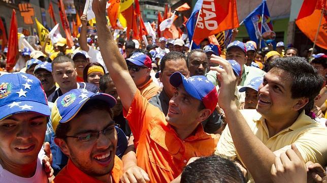 Capriles desafía a Chávez a un debate previo a las elecciones