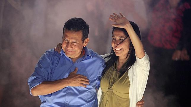 El presidente Humala niega que gobierne Perú en coordinación con su esposa